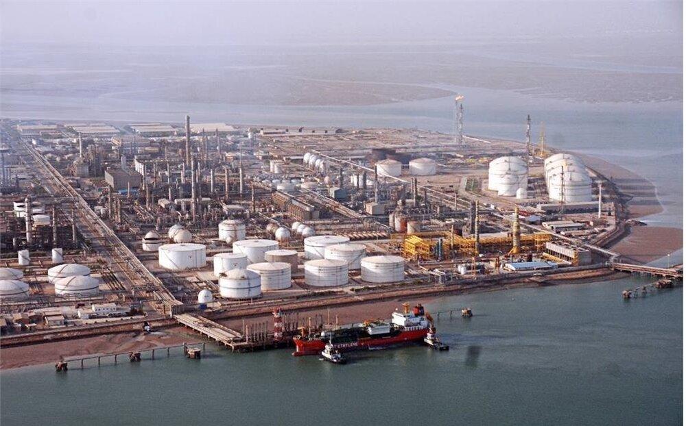 آغاز عرضه دریایی محصولات هلدینگ خلیجفارس در بورس انرژی