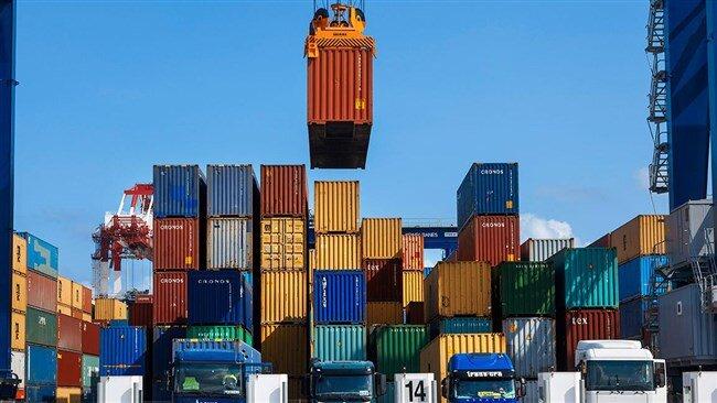 ترخیص کالاهای وارداتی از امروز با استفاده از تهاتر از گمرکات کشور آغاز شد