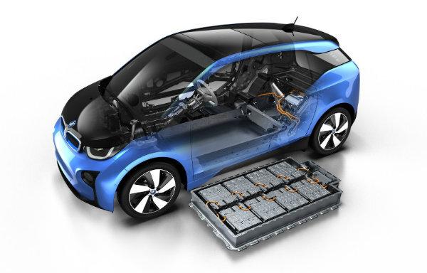 تعویض باتری خودرو در ۱۰ دقیقه مُد می شود  چشم و هم چشمی دو غول نفتی با چشم بادامی ها در باتری خودرو