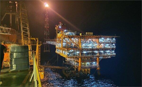 روزانه ۷۷ هزار بشکه میعانات گازی در فاز ۱۹ پارس جنوبی تولید و صادر میشود