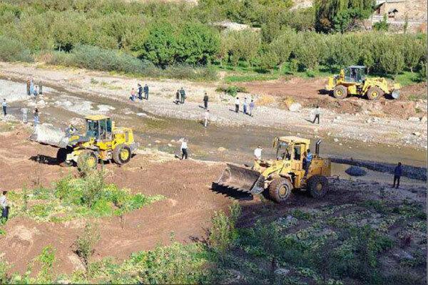 آزادسازی و رفع تصرف ۱۵۷ هزار مترمربع از حریم رودخانهها در استان همدان