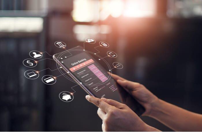 بانک ها همچنان مشتریان سنتی خود را حفظ می کنند/ آینده بانکداری دیجیتال به چه سمتی می رود؟
