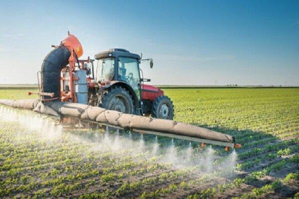 نزدیک ۱۷۰۰ تن انواع سموم کشاورزی در آذربایجان غربی توزیع شد