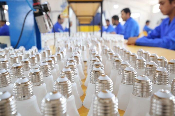 تولید لامپ های کم مصرف توسط یک شرکت دانش بنیان در آذربایجان شرقی