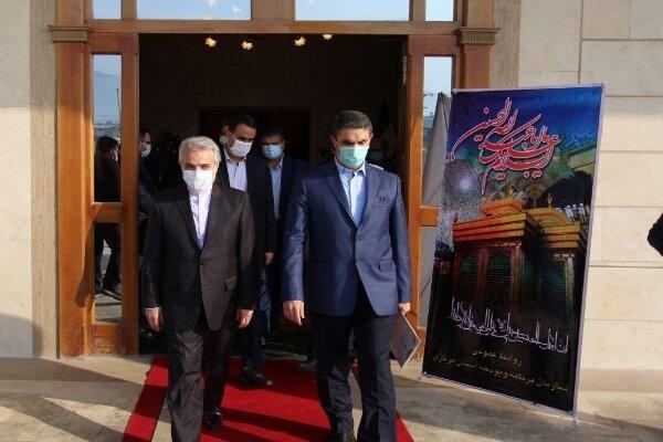 رئیس سازمان برنامه و بودجه کشور برای افتتاح یک طرح عمرانی وارد اراک شد