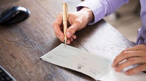 پایان ریسک صدور چک با ایجاد قوانین جدید/ بانک هایی که ۱۰۰ درصد سرمایه خود را وام می دهند