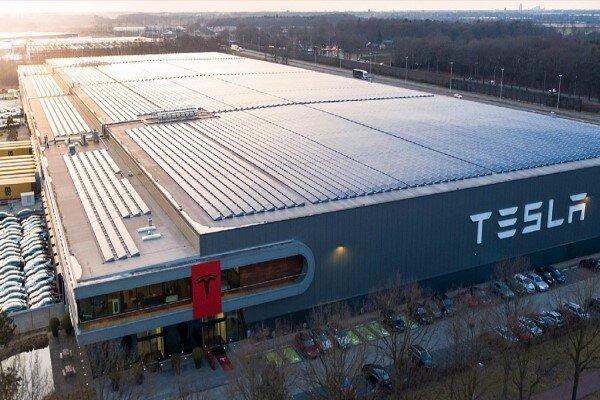 تسلا چگونه کارخانههایش را با سرعت میسازد؟