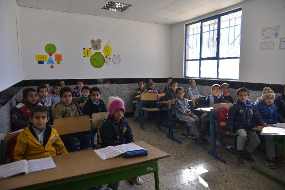 اهدای مدرسه بنیاد برکت به ۷۰۰ دانشآموز نوشهری