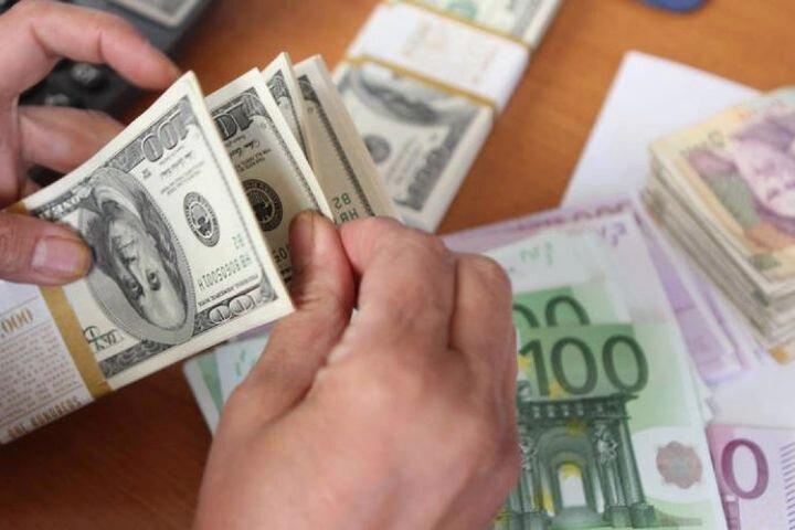 بررسی روند سرعت افزایش نرخ دلار در تیر ماه