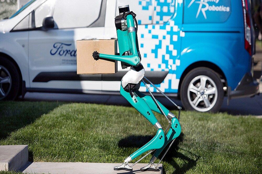 عرضه یک ربات بدون سر