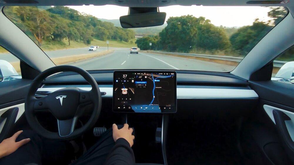 هوشمندسازی خودرو بدون هوشمند سازی جادهها بی فایده است/ خودروهای خودران چگونه خلق شدند؟