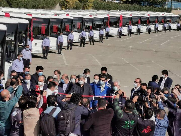 ایران خودرو دیزل ۱۰۰ دستگاه اتوبوس و مینیبوس به شهرداری تهران تحویل داد