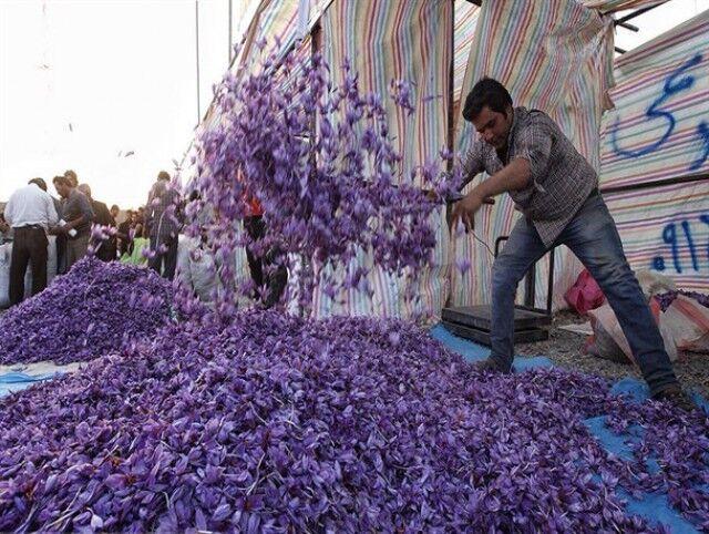 مشکلات حوزه صادرات زعفران بررسی شد