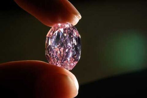 رکورد فروش گرانترین الماس صورتی شکسته شد