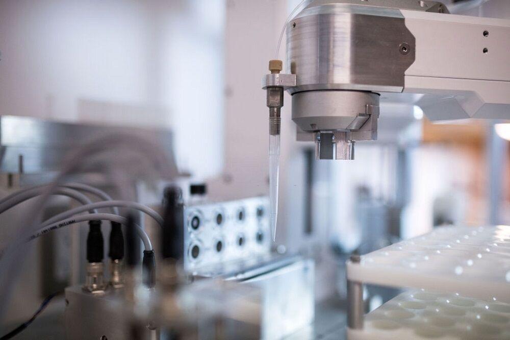 آزمایشگاه رباتیک در کانادا
