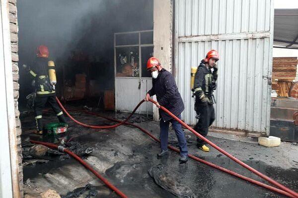 آتش سوزی ۷ انبار در جاده ارومیه - سلماس مهار شد