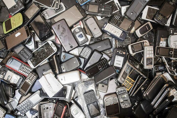 زباله الکترونیکی 3