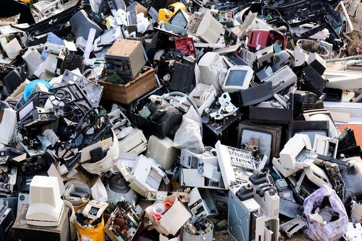 زباله الکترونیکی 4