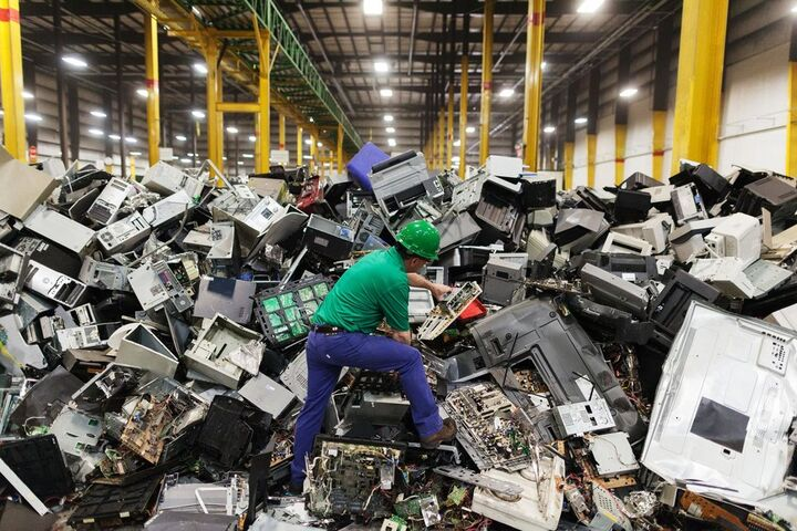 زباله الکترونیکی 6