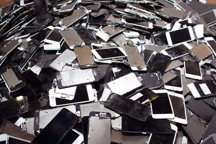 زباله الکترونیکی 8