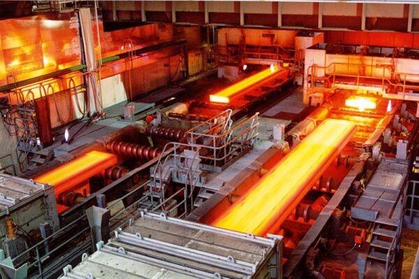 قیمت فولاد گرانتر از نرخ ارز آزاد | دخالت دولت، صنعت فولاد را مختل کرده است
