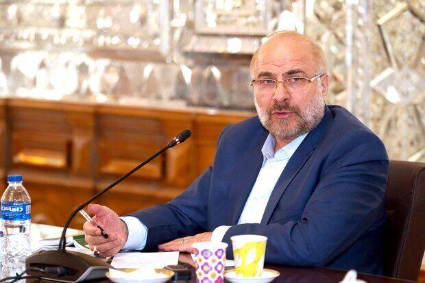 همکاری مرزی و اتصال مسیرهای ریلی در اولویت ۲ کشور قرار گیرد