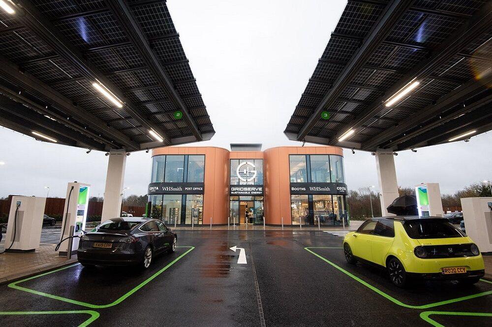 افتتاح اولین ایستگاه شارژ خودروهای تمام برقی در انگلیس