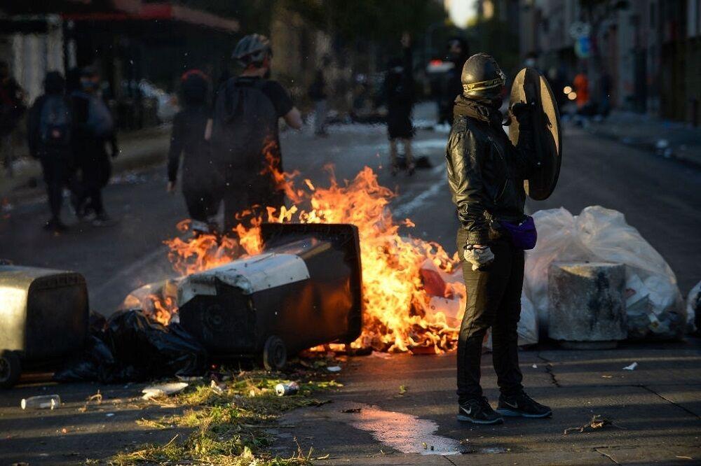 اعتراضات در شیلی و غارت فروشگاهها