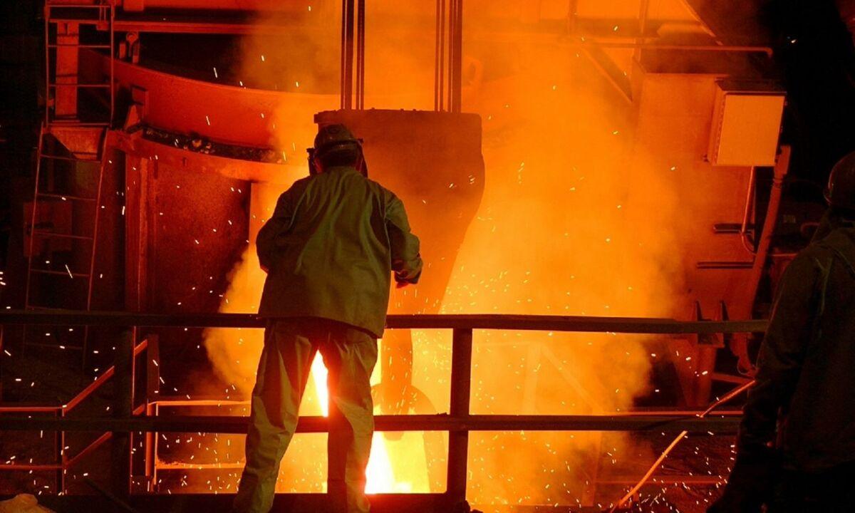 بایدن تعرفه واردات فولاد از چین را کاهش نمیدهد