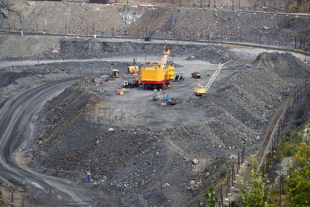 عرضههای سنگ آهن در بورس کالا ادامه یابد
