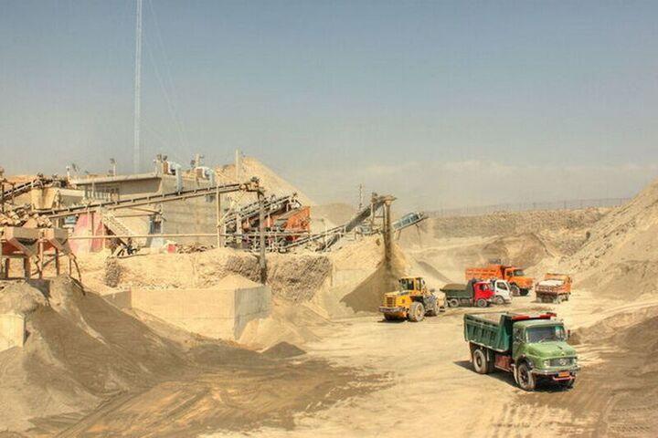 صدور مجوز جدید معدن در آبیک ممنوع شد/ مصوبات جلسه شورای معادن نادیده گرفته می شود
