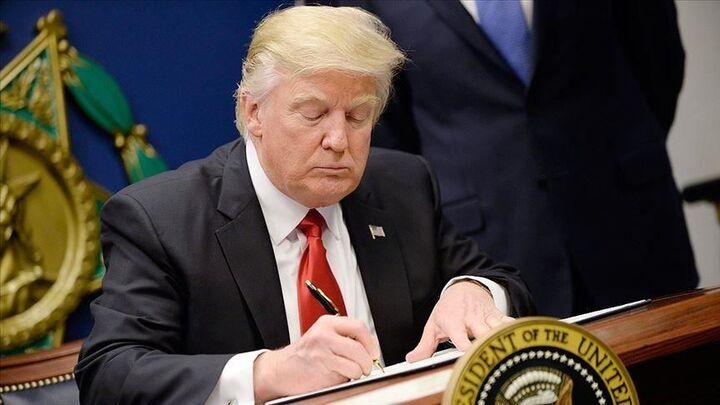 امضاء دومین طرح بسته حمایت از اقتصاد توسط ترامپ