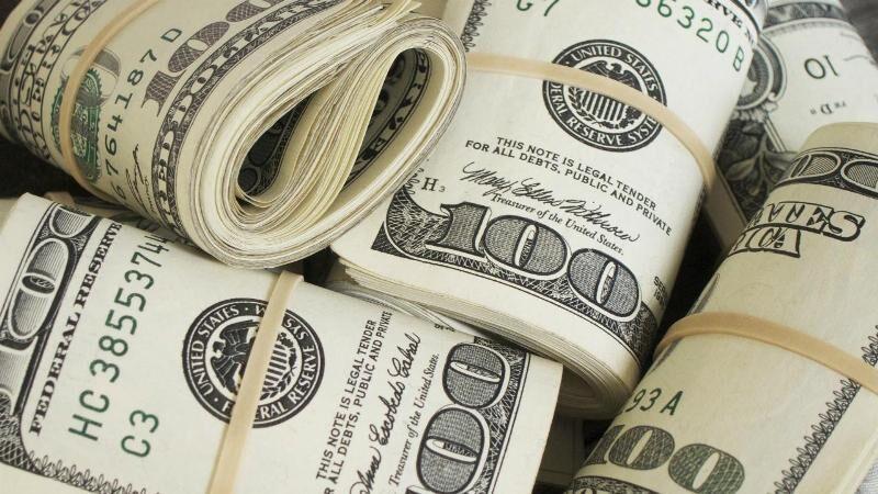 دلار در بازار جهانی به عقب رانده شد