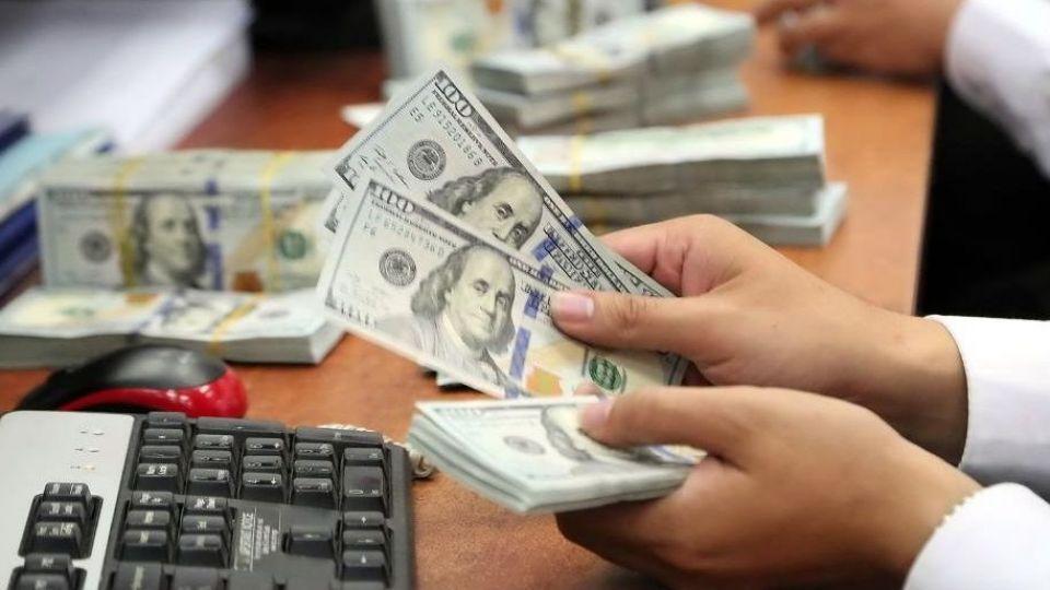 دلار ۱۵ هزار تومانی به چه قیمتی؟
