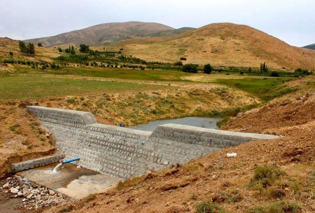 طرح آبخیزداری در بالادست هزار و ۹۰۰ رشته قنات کشور در حال انجام است