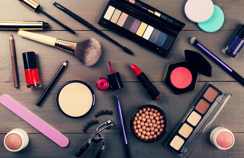 افزایش ۲۰ درصدی قیمت محصولات آرایشی در ابتدای امسال/ توان نظارت نداریم