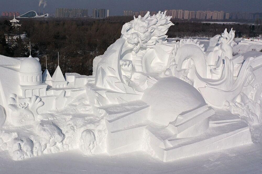 آغاز ساخت شهر یخی در چین