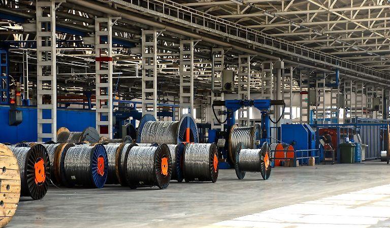آسیبهای معافیتهای مالیاتی صادرات مواد اولیه بر صنایع