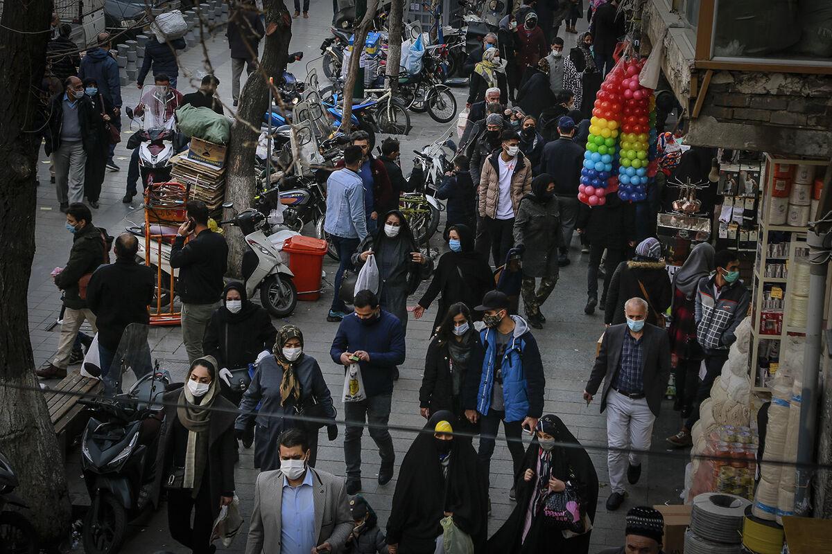 شلوغیهای توخالی بازار شب عید در تهران؛ قیمتها خریداران را فراری میدهد