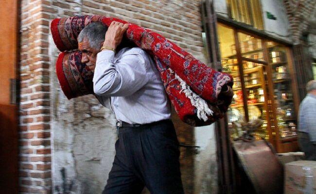 گره کور بر فرش دستباف کرمان؛ چرخ اقتصاد صنایع دستی نمی چرخد