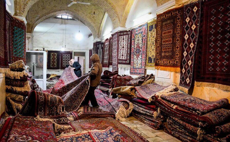 ترویج و ارتقاء کیفیت فرش دستباف از اولویتهای وزارت صمت است