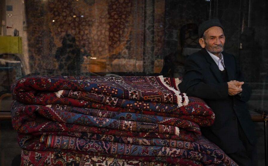 حجرههای نیمه خاموش بازار فرش اصفهان؛ کارگاههای تولیدی رو به تعطیلی است