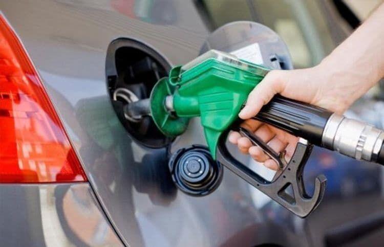 رکورد زنی قیمت بنزین در پاکستان