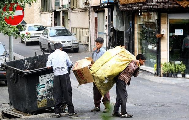 پیمانکاران شهرداری عامل گسترش پدیده شوم زباله گردی!