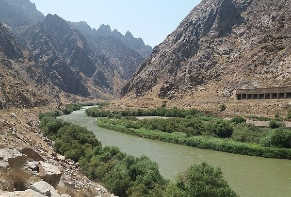 بازگشت ۲۵ هکتار از اراضی زیر آب رفته رودخانه ارس به ایران