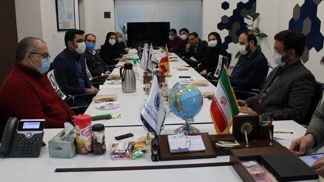 پایگاههای صادراتی برای معرفی محصولات دانشبنیان به کشورهای همسایه ایجاد شود