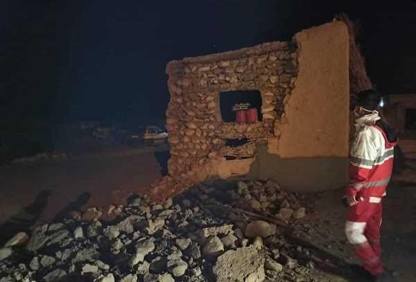 ۳۷ روستای هرمزگان متاثر از زلزله ۵.۵ریشتری؛ روستای سایه خوش در انتظار رفع مشکل آب