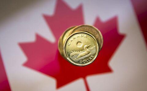 ارزش دلار کانادا کاهش یافت