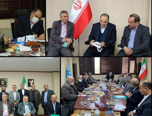 سومین نشست کمیته اصناف تهران فراکسیون اصناف مجلس در اتحادیه تعمیرکاران خودرو برگزار شد