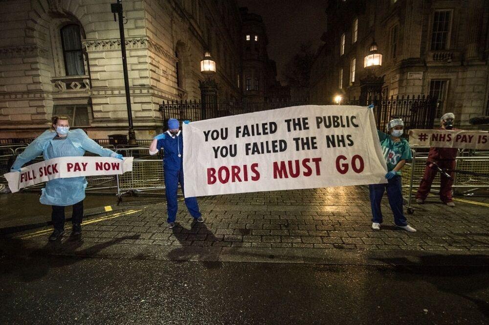 اعتراض پزشکان و پرستاران به دلیل کمبود امکانات در لندن